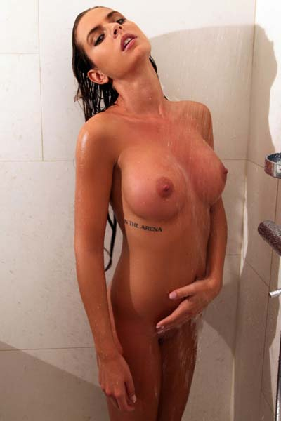 Model Alexa in Shower