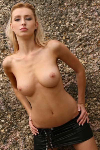 Model Dominika in Perfect Shape