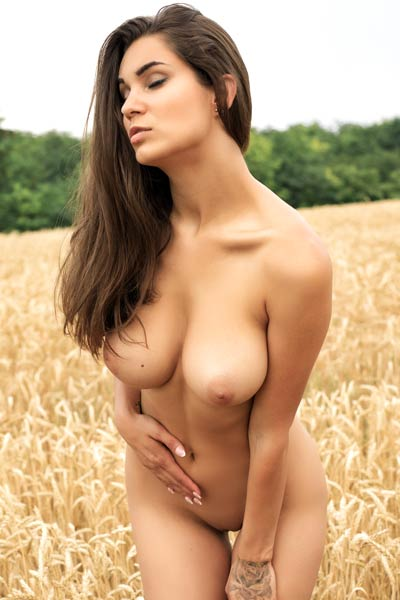 Model Faith in The Wheat
