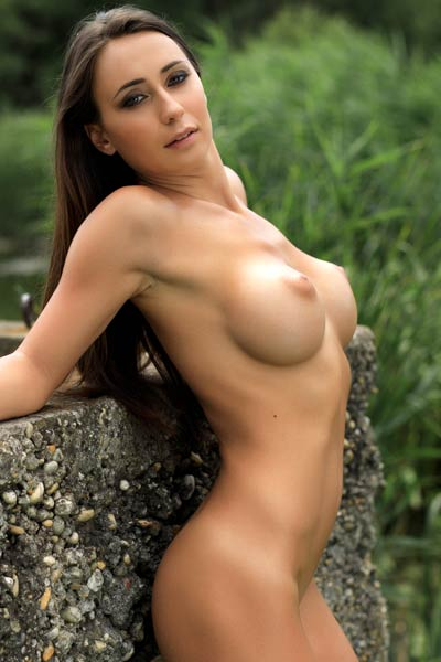 Model Laureen in The Trail To The Lake 2